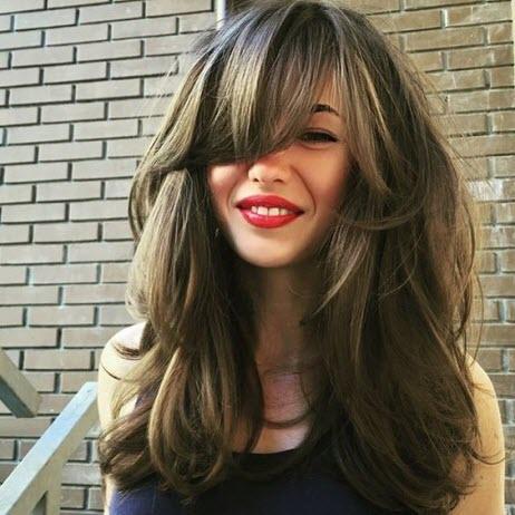 Прическа каскад для кудрявых волос. Кому подходит каскад. Как уложить на длинные волосы каскад в домашних условиях — фото и видео уроки для девушек